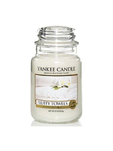 Yankee Candle vonná svíčka Fluffy Towels Classic střední - 411 g